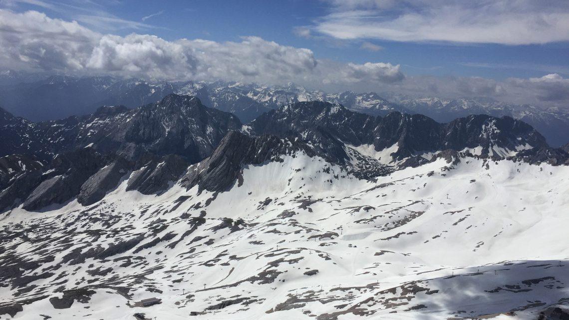 Zugspitze: neve o ano inteiro na Alemanha